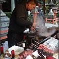 牛肉串熱賣中