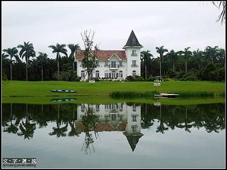 湖畔建築很漂亮
