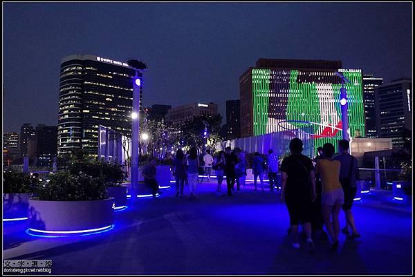 夜裡的首爾路7017