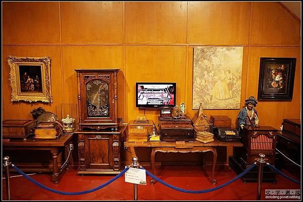 古董八音盒展示