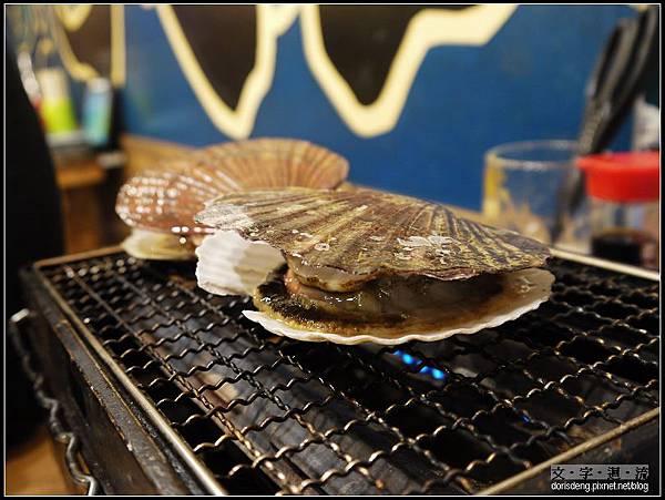 烤新鮮扇貝