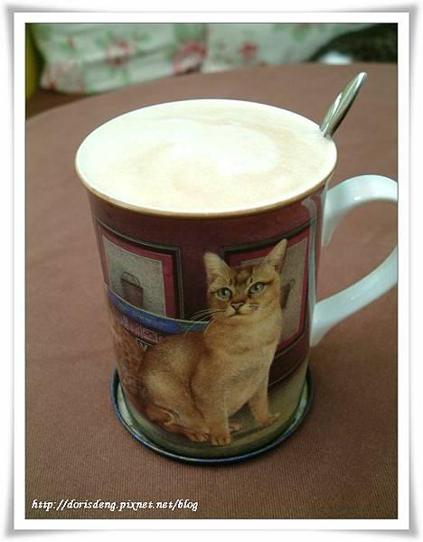 我們3人都點拿鐵咖啡