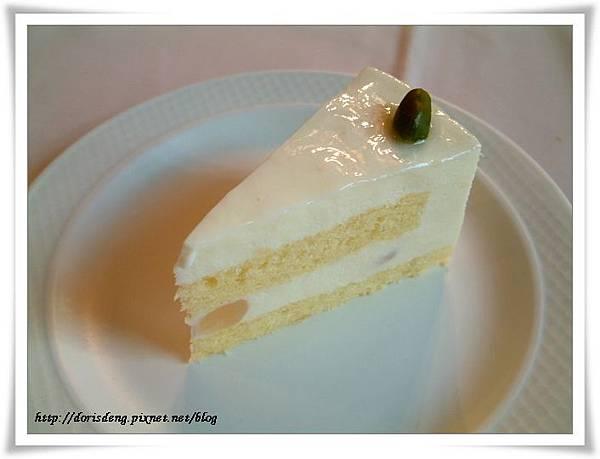 餐點甜點椰子慕斯蛋糕