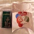 在摩天輪的禮品中心買的紀念品