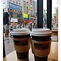 在惠化站閒晃一會後到A Twosome Place喝咖啡休息