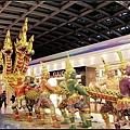 曼谷轉機走了快一小時才到轉機閘門