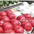 南灣-鮮紅的紅麴菜包