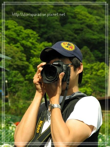 專業攝影師--士殷叔叔(相簿裡有一半是他拍的唷)
