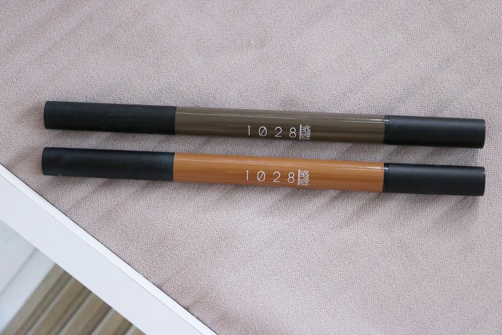 1028 我型我素持色眉筆。勾勾筆。超立體持色玩眉膏。甜滋滋捲心頰彩。倔強朵力。朵力。doristylebook>