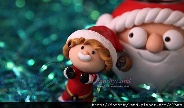 Santa family 6c.jpg