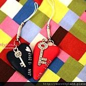 黑紅心鎖吊飾