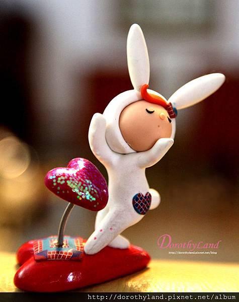 愛的飛吻兔紅心紙鎮