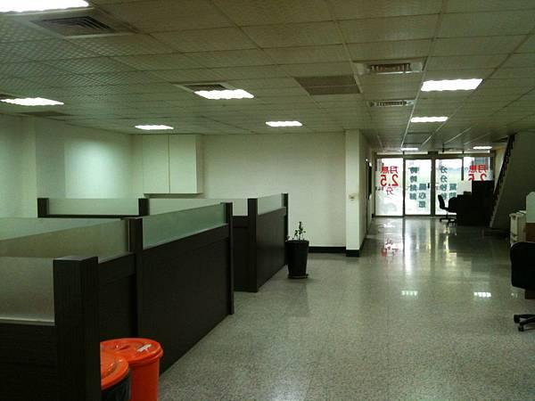 寬敞諮詢室 (2).JPG
