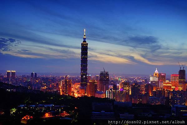象山望台北夜景