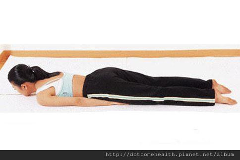 運動腰腹肌肉的瑜珈動作