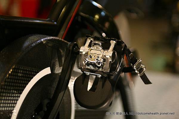 腳踏2.JPG