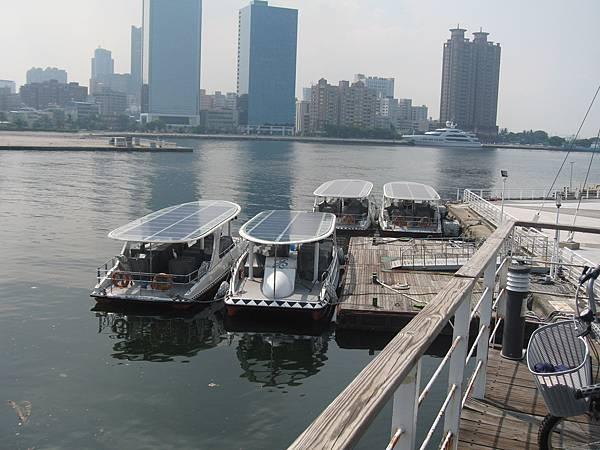 35.太陽能的遊艇.JPG