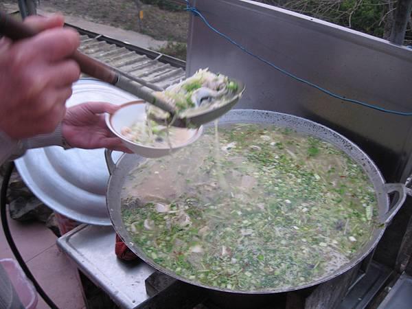 吃飯湯容易餓,要多吃一點.JPG