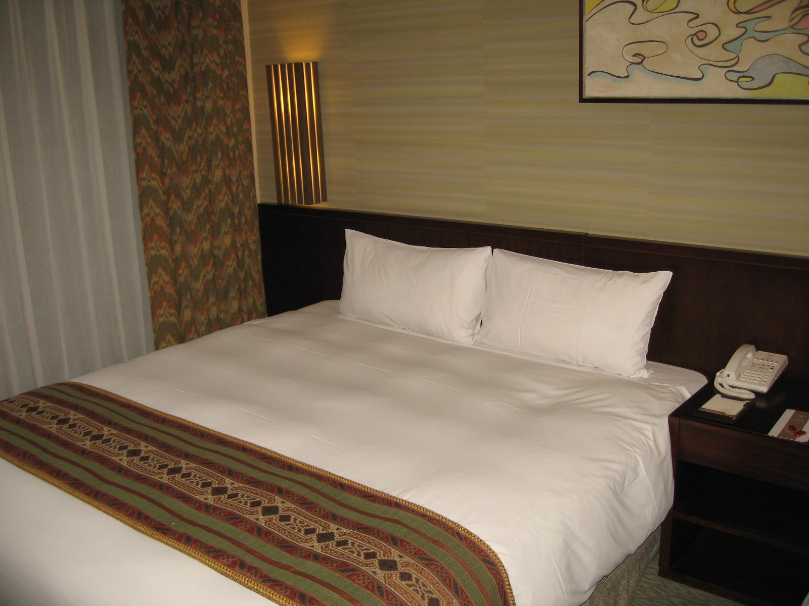 終於到飯店了(嘉義耐斯王子飯店)~好累~口以休息囉.JPG
