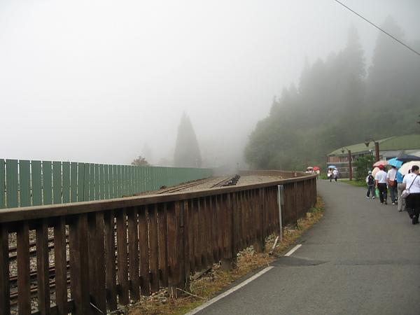 山區多雨~下雨了.JPG