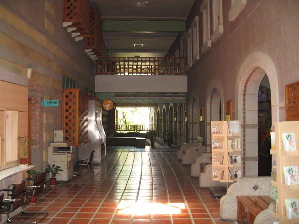 古色古香的縣府迴廊.JPG