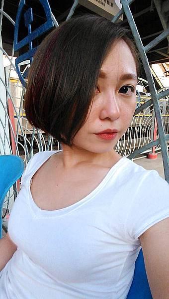 Happy Hair豐原短髮染髮挑染Cora