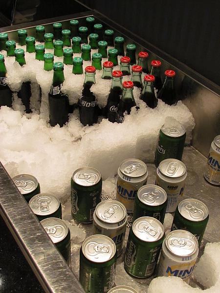 看到這一堆飲料