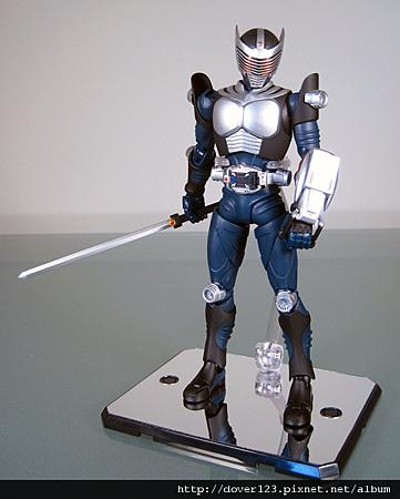 SHF-Kamen-Rider-Ryuki-Blank-2