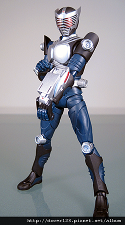 SHF-Kamen-Rider-Ryuki-Blank-3