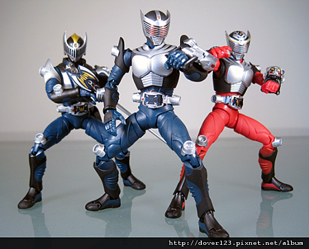SHF-Kamen-Rider-Ryuki-Blank-8-590x474