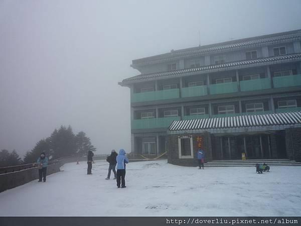 下雪的松雪樓1.JPG