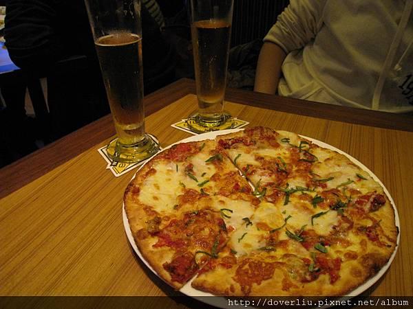 pizza 好吃.JPG