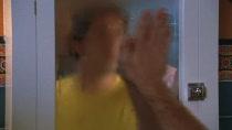Chuck.S02E01.HDTV.XViD-HiQT.avi0692.jpg