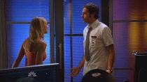 Chuck.S02E04.HDTV.XviD-LOL.avi0282.jpg