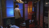 Chuck.S02E04.HDTV.XviD-LOL.avi0311.jpg