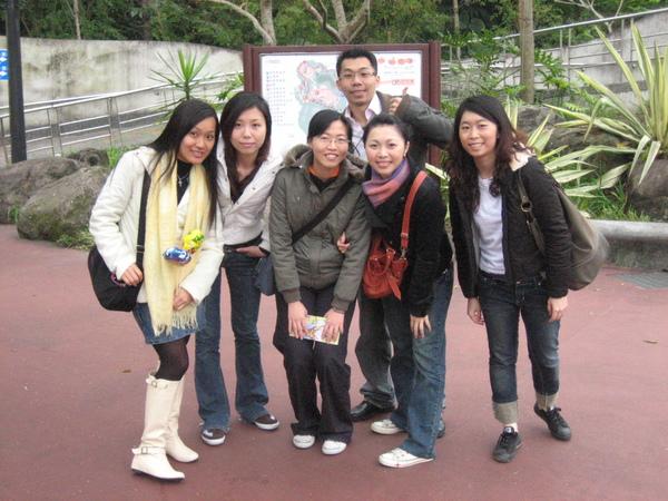 5個女孩與一個男孩的故事.JPG
