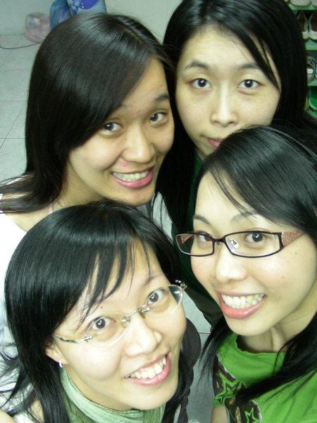 她們都是好姐妹.JPG