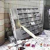 社區信箱牆倒塌 壓死住戶