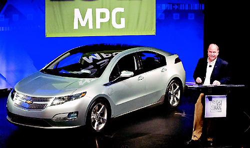 通用的雪佛蘭Volt汽車一加侖汽油可跑230哩。