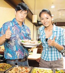 李興文(左)與劉香慈是吃素念佛的好搭檔。