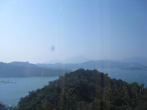 從纜車看日月潭景色4