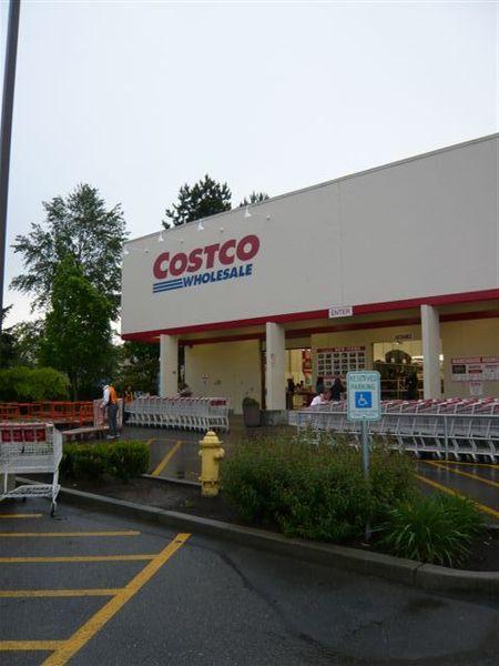 老師帶我前往costco總店,位於 Kirkland