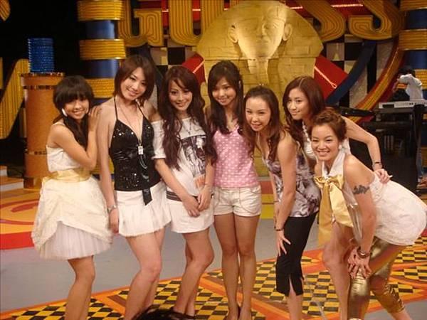 2008-09-27 我猜 人不可貌相 超麻辣!!美麗女教師 (猜誰不是真的老師?!)