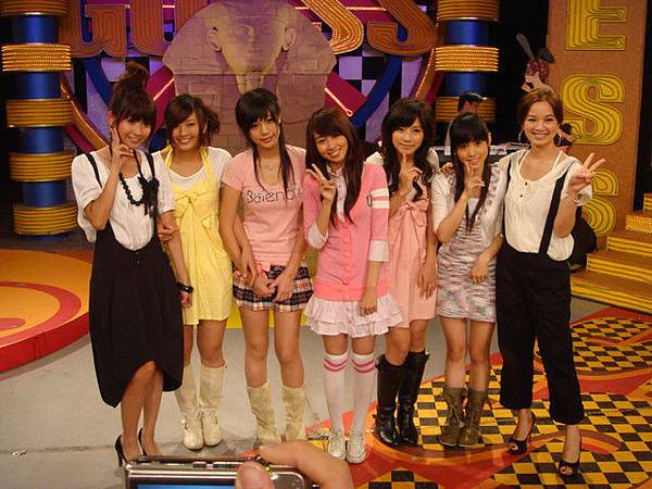 2008-11-29 我猜 人不可貌相 甜美系!!冰淇淋女孩 (猜誰最受評審&男大生的青睞?!)