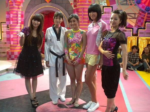 2009-11-21 我猜 人不可貌相 運動美女大變身!! (誰是男大生最愛?)