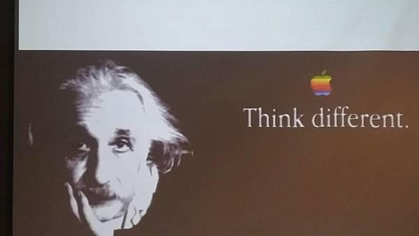 7愛因斯坦.jpg
