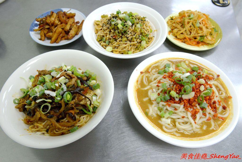 [台中大雅]武漢熱乾麵 – 台中罕見的特色口味麵食店,老闆是來自大陸武漢的姊妹花三人,店內麵食種類多樣化,味道很特別,吃過後讓人印象深刻。