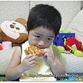 2Y2M25D-吃麵包100.10.1