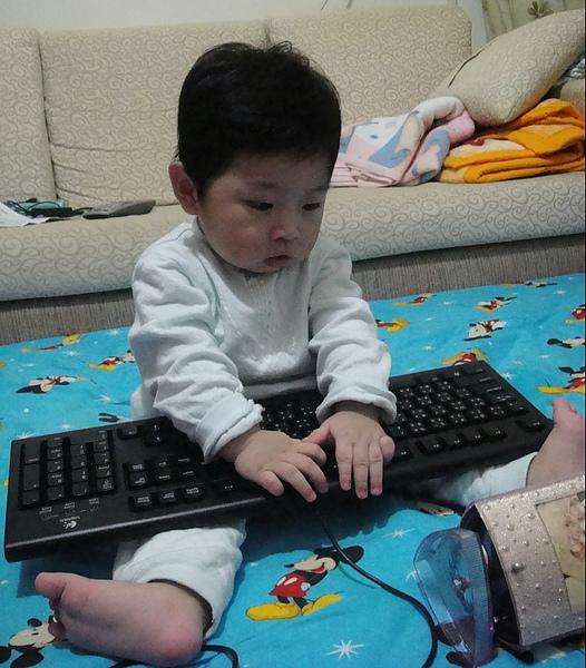8M30D-玩鍵盤 99.4.6