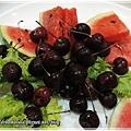 水果(西瓜和櫻桃)